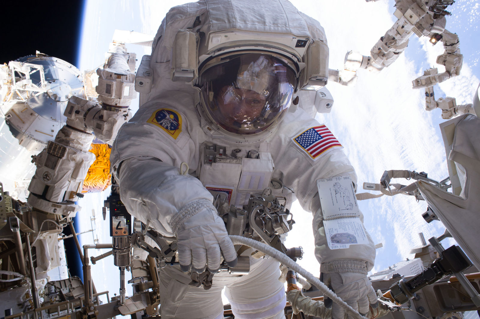 uzayda canlı